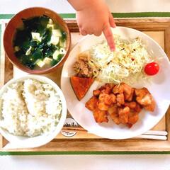 揚げ物/フライパン料理/晩ご飯/唐揚げの漬けダレ/唐揚げ/つまみ食い/... とある日の晩ご飯メニューです。  ・白米…