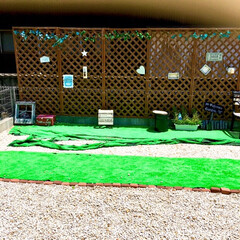 御影石/建売住宅/お気に入り空間/自己流/ラティスフェンス/グリーンのある暮らし/... 3年前に自己流DIYした庭です。  幅9…(1枚目)