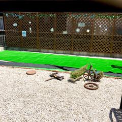 御影石/建売住宅/お気に入り空間/自己流/ラティスフェンス/グリーンのある暮らし/... 3年前に自己流DIYした庭です。  幅9…(2枚目)