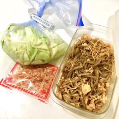 副菜レシピ/ラク家事/きんぴらごぼう/サラダチキン/おかか和え/キャベツ/... 休日の空き時間に 作り置きおかずの一部を…