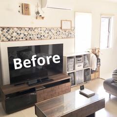 コラベルタイル柄/壁紙DIY/建売住宅/茶系/リビングインテリア/ビフォー画像/... リビングのくつろぎスペースです。  建具…