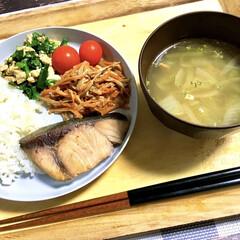 下味冷凍/作り置きおかず/ニラ玉/無限/魚料理/ヨーグルト漬け/... 本日の晩ごはん。  ◎ブリの味噌みりんヨ…