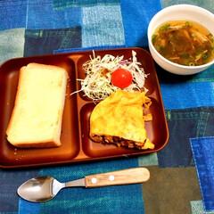 オムレツレシピ/鶏そぼろ/トースト/朝ごパン/朝食/ランチョンマット/... ある日の朝食メニュー(子ども用)です♪ …