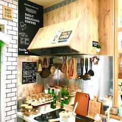 塩系インテリア/カフェ風インテリア/男前インテリア/レンジフード/壁紙シート/リメイクシート/... 夏前にカフェ風リメイクしたキッチンです。…