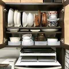 収納見直し/丸皿/食器収納/食器棚/100均収納/おすすめアイテム/... こんばんは♪  最新アイデア記事にて 食…