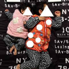 女の子ママ/男の子ママ/風邪予防/防寒対策/こどものいる暮らし/パジャマ/... 4歳と1歳の子どもがいます。  寝ている…