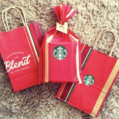 紙袋/ショッパー/クリスマス仕様/ホリデー/ホリデーシーズン/スターバックスコーヒー/... 昨日から始まったスタバホリデー。 新作フ…