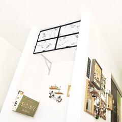 モノトーン好き/目隠し扉/収納扉/窓枠風/アイアン窓枠/簡単DIY/... リビングのデッドスペース部分に フォトア…