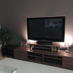 リビング/インテリア/住まい/ブラウンインテリア/リビングインテリア/一条工務店 テレビ台とソファの高さが合わないのでかさ…