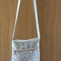 ダブルファスナーポシェット/セリア/ハンドメイド 母へのプレゼント用に作りたいと思い、練習…