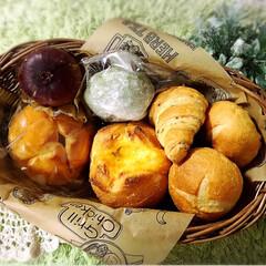 小麦ふすまクロワッサン🥐/よもぎパン/チーズinパン/プルーンフランス/チーズフランスパン/特別な日 今日はちょっと特別な日(*´꒳`*)♡ …