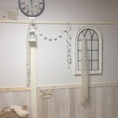 賃貸/団地/ガーランド/窓枠/アイアン/ホワイトインテリア/... 和風だった壁紙を半分は壁紙、半分は木で板…(1枚目)