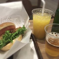 週末/MOSカフェ ずっと念願だった、仕事帰りのMOSカフェ…(1枚目)