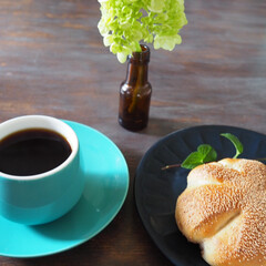 アイデア投稿もしています/コーヒーカップ/カップアンドソーサー/プレート/お皿/おうちごはん/... テーブルコーディネート。 春にリメイクし…