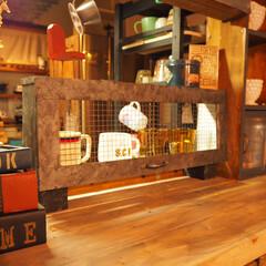 カフェ風/焼き網/グラスケース/食器棚/インダストリアル風/ブログも書いてます/... グラスケース、完成です♪ 中にグラスやマ…