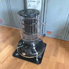 ドアリメイク/カフェ風インテリア/アラジンブルーフレーム/アラジンストーブ/DIY/住まい/... 冬の間、大活躍してくれたアラジンストーブ…