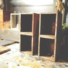 アイデア投稿もしています/インスタグラムやってます/ブログ書いてます/うららかものづくりCafe/おうち時間/木箱/... 100均木箱をペイントして、ボンドでくっ…