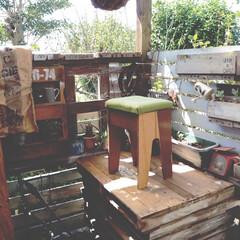 ウッドデッキ/リメイク/ミシンの椅子/アイデア投稿もしています/インスタグラムやってます/ブログ書いてます/... 古いミシンの椅子をリメイクしてたけど、 …