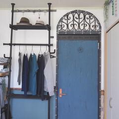 ターナー色彩 ミルクペイント 200ml 55・トリトンブルー MK200055 | ターナー(ペンキ、塗料)を使ったクチコミ「寝室にて山善さんのパイプ棚活用中です。 …」