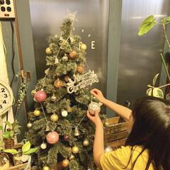 インスタグラムやってます/ブログ書いてます/うららかものづくりCafe/カフェ風インテリア/飾り付け/リビングインテリア/... 先日、子供と一緒にクリスマスツリーの飾り…(1枚目)