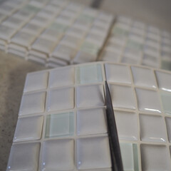 モザイクタイル プチコレガラスMIX ホワイト | 藤垣窯業(その他建築用タイル)を使ったクチコミ「LIMIAのモニターでいただいた藤垣窯業…」(4枚目)