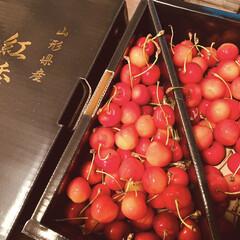 旬の果物/気分が上がる/カフェ風食器/カフェ風インテリア/カウンター/キッチン雑貨/... さくらんぼをいただきました😆  私大好き…(2枚目)