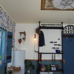 鎧戸風/漆喰/輸入壁紙/セルフリノベーション/モロッコ風/寝室/... 寝室です。 普通の六畳を1年くらいかけて…