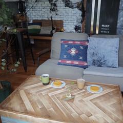 Plakira/ファイヤーキング/ソファー/おうちカフェ/テーブル/アイデア投稿もしています/... おうちカフェ時間。。。  クッションも秋…
