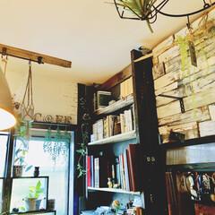 アイデア投稿もしています/インスタグラムやってます/ブログ書いてます/うららかものづくりCafe/カフェ風インテリア/本棚/... 今朝の一枚。  最近、ウォリストを使って…