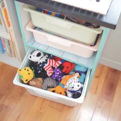 ◆2段カラーボックスα KR18−3817−WH カラーボックス 2段 収納ラック 本棚 収納ボックス 棚 組立ラック 本棚 コーナン(カラー、キューブボックス)を使ったクチコミ「ぬいぐるみ収納。。。 リメイクしたカラー…」