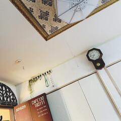 ペイント/掛時計/壁紙/セルフリノベーション/天井/寝室/... おはようございます。  こちらは、寝室の…