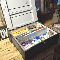 ペイント/JUNK風/木箱利用/救急箱DIY/救急箱/お薬収納/... いくつかの前のフォトの水色の錆び風のボッ…