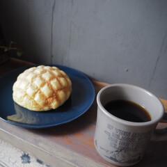 メロンパン/アイデア投稿もしています/インスタグラムやってます/ブログ書いてます/うららかものづくりCafe/コーヒー/... パン派に一票〜♪  これは、セブンイレブ…