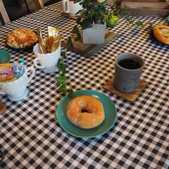 食器/インテリア/ダイニング/昭和レトロ/北欧風/うららか☆ものづくりCafe/... ドーナツの載っている食器は、実家から貰っ…