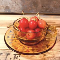 旬の果物/気分が上がる/カフェ風食器/カフェ風インテリア/カウンター/キッチン雑貨/... さくらんぼをいただきました😆  私大好き…