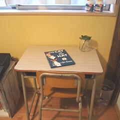 キッズルーム/子供部屋/海外風/絵本/学校椅子机/学校椅子/... おはようございます! 子供部屋のペイント…