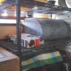 キッチン/リメイク/ブレッドケース/ラップ収納/ラップ/キッチン収納/... ラップ収納は、ラックの中に揃えて置いてい…