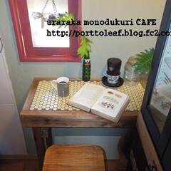 カフェ風/Cafe風/ひとりカフェ/模様替え/リメイク/簡単DIY/... キッチンの壁と窓の色を、黄色×緑からグレ…
