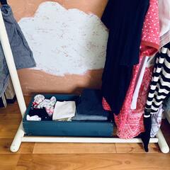 DIY/子供部屋インテリア/ペイント/丸めて収納/子供部屋/木箱/... おはようございます。 子供の靴下収納は、…