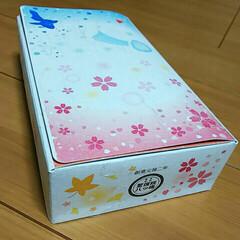 枕草子/生八ツ橋/和菓子 可愛い絵柄にひかれて買いました。 有名な…