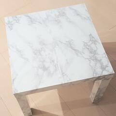 大理石調/大理石/リメイクシート/リメイク/テーブル/DIY/... 緑色のテーブルに リメイクシートを 貼り…