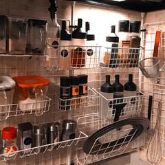 ワイヤーラック/ホームセンター/シール/ラック/スパイス/Can Do/... 我が家のキッチン調味料棚♪ ワイヤーネッ…