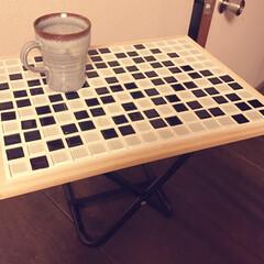 手作り/DIY/折りたたみ/コルクボード/ミニテーブル/ミニチェア/... 2歳の娘サイズのミニテーブル♪ 折りたた…(1枚目)