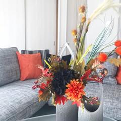アーティフィシャルフラワー/アクセントカラー/オレンジ/信楽焼き/秋/フラワーアレンジメント/... ハロウィンアレンジメント🎃 秋らしい花材…