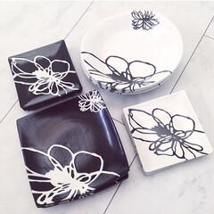花柄/信楽焼き/モノトーン/お皿/食器/住まい お気に入りの食器♡ モノトーンに花柄が一…
