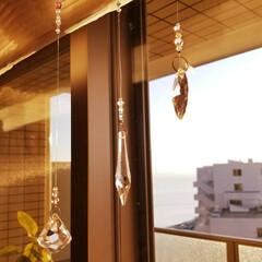 クリスタル/サンキャッチャー/インテリア/雑貨 窓辺に吊るされたサンキャッチャー。 季節…