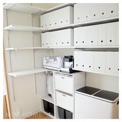 ホワイトインテリア/整理収納/セリア/パントリー/収納/Francfranc/...  パントリーの棚の配置を 変更して使いや…