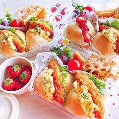 サンドイッチ弁当/手作りパン/ちぎりパン/お弁当のおかず&便利グッズ/セリア/100均/... 2020/3/9   今日のお弁当 ◡̈…