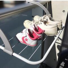 部屋干し/洗濯物/便利グッズ/洗濯/どこでも物干しラック 引っ掛けるだけで簡単に物干しスペースを増…