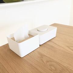 山崎実業 RIN 蓋付きティッシュケース リン S | RIN(ティッシュケース)を使ったクチコミ「ダイニングテーブルには、いつでも汚れた時…」